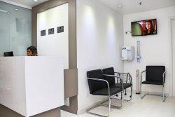 dentista especialista em estética e aparelhos