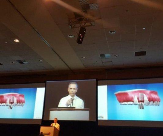 Dr Paulo Renato participou como PALESTRANTE do SIMPÓSIO sobre aceleração do tratamento ortodôntico